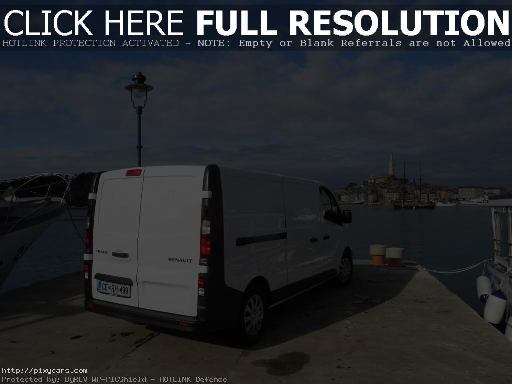2015 Renault Trafic Sea Port